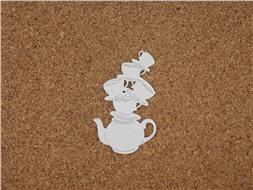 Наклонные чашечки с чайником